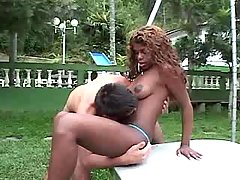 Guy fucks ebony tranny